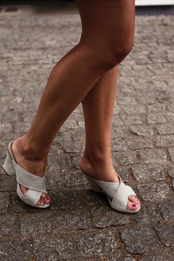Diese Schuhe hat meine Mutter in einer kleinen Boutique in Italien erstanden, mein Glück, dass sie nicht mit Absätzen laufen kann